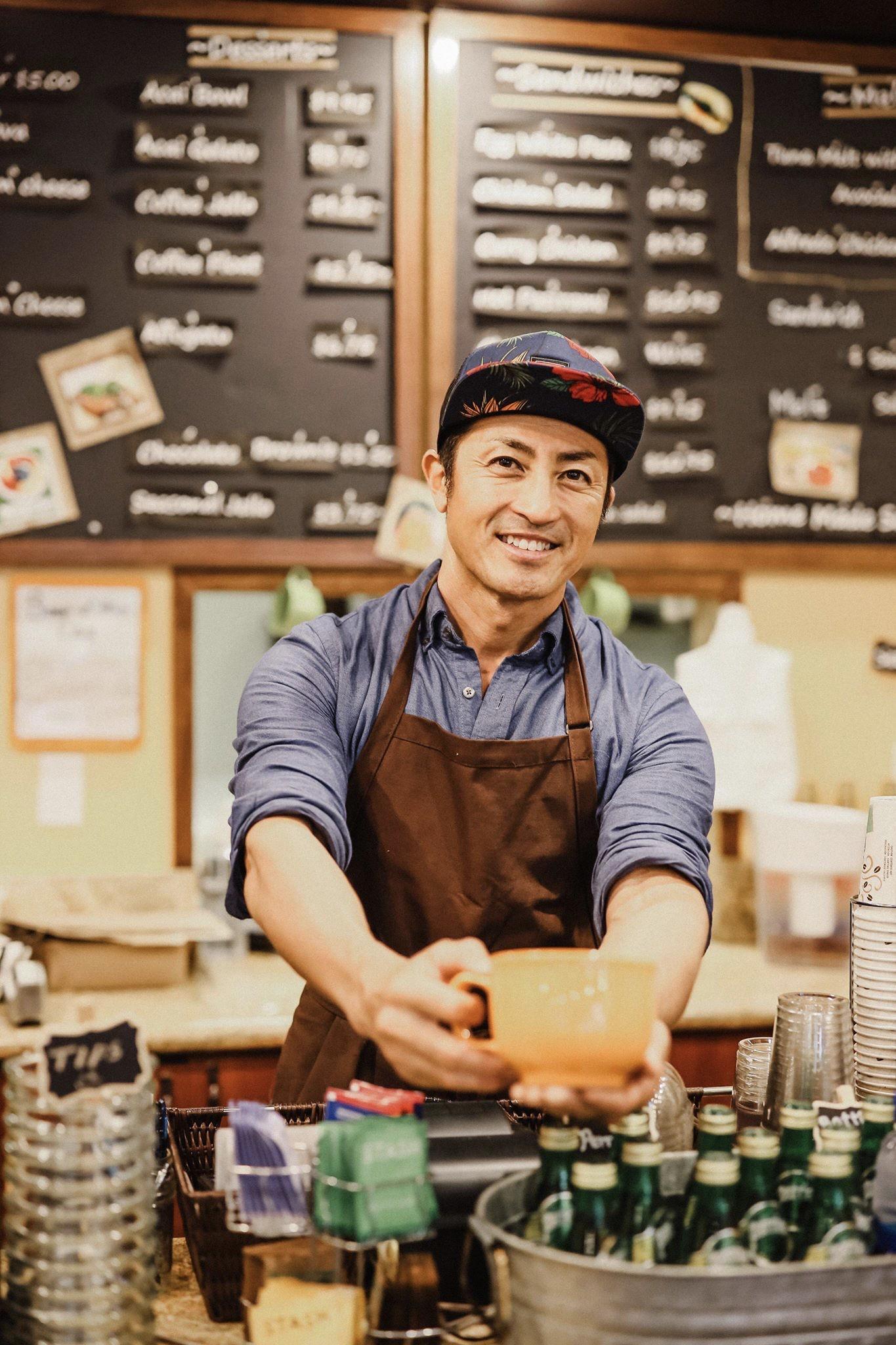 カフェグレース店長の安孫子さん