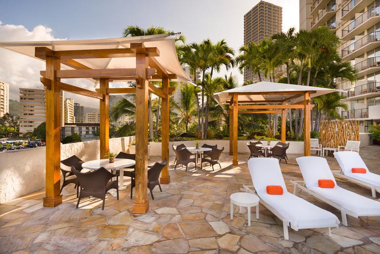 ホノルルのブティックホテル | ルアナ・ワイキキ・ホテル | アクア-アストン・ホテルズ              logo-instagram